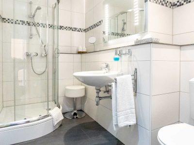 Bad-WC-Dusche